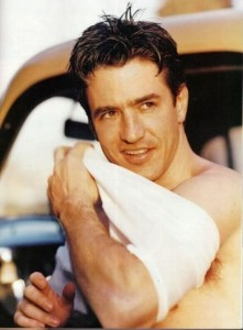dermot-mulroney-shirtless-1