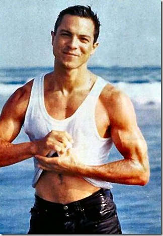 Benjamin_Bratt_shirtless_06