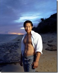 Daniel_Dae_Kim_shirtless_03