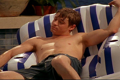 benjamin_mckenzie_shirtless_04