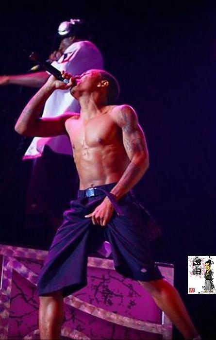 bow_wow_shirtless_12