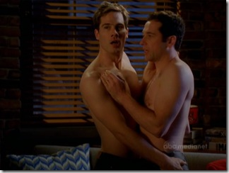 Luke_Macfarlane_shirtless_02