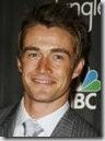 Robert_Buckley_headshot_01
