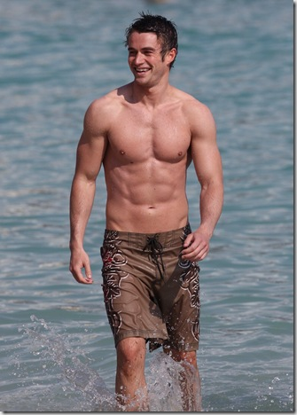 Robert_Buckley_shirtless_02