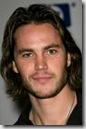 Taylor_Kitsch_headshot_01