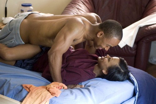 columbus_short_shirtless_03