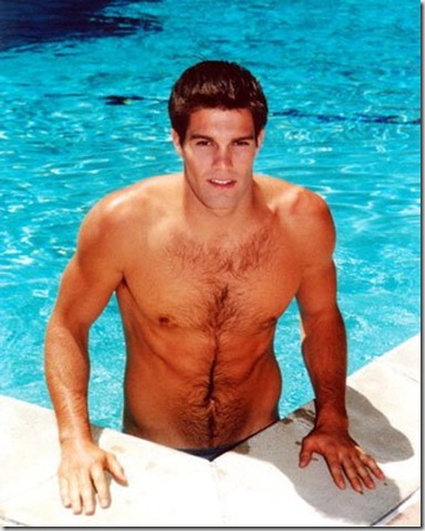 Geoff_Stults_shirtless_01