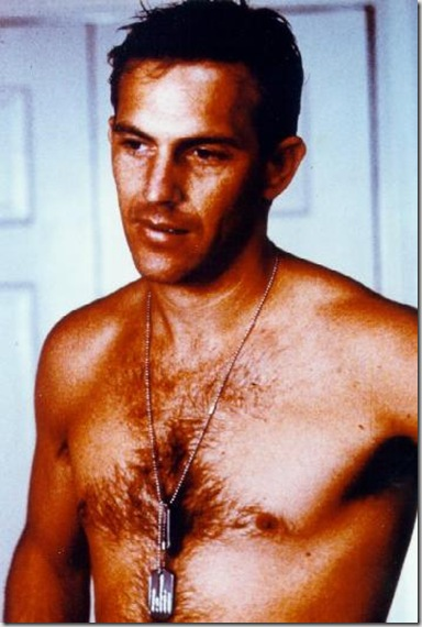 Kevin_Costner_shirtless_01