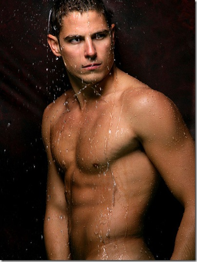 Sean_Faris_shirtless_01