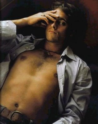 stuart_townsend_shirtless_04
