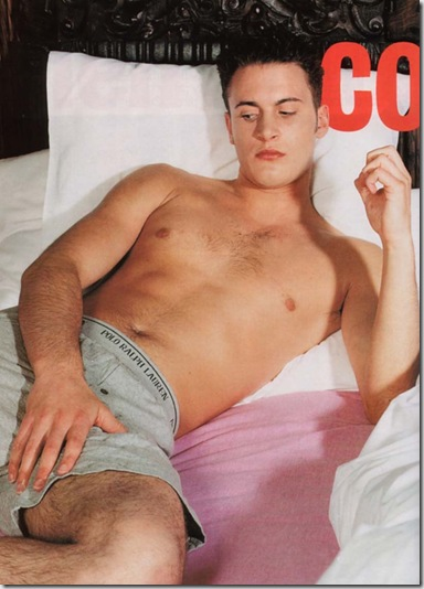 Gary_Lucy_shirtless_07