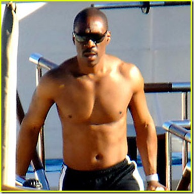 Eddie_Murphy_shirtless_03
