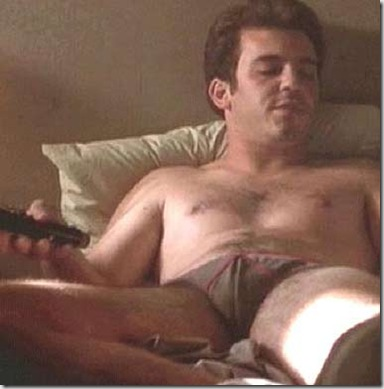 Fred_Savage_shirtless_02