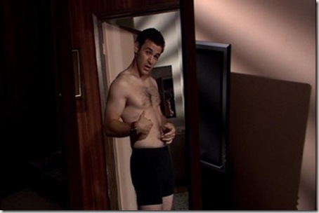 Fred_Savage_shirtless_03