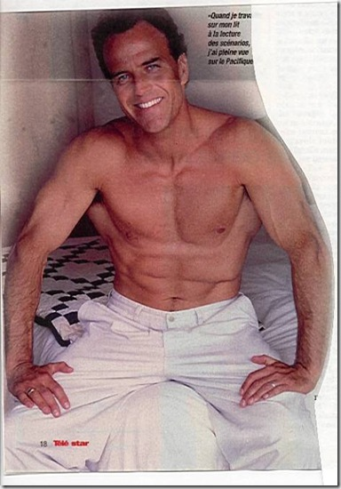 Richard_Burgi_shirtless_03