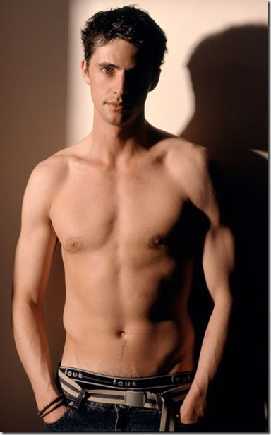 Matthew_Goode_shirtless_02