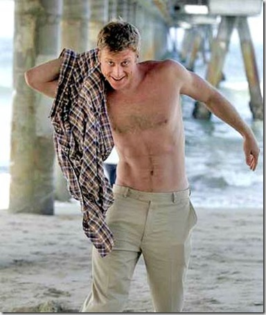 Alan_Tudyk_shirtless_01