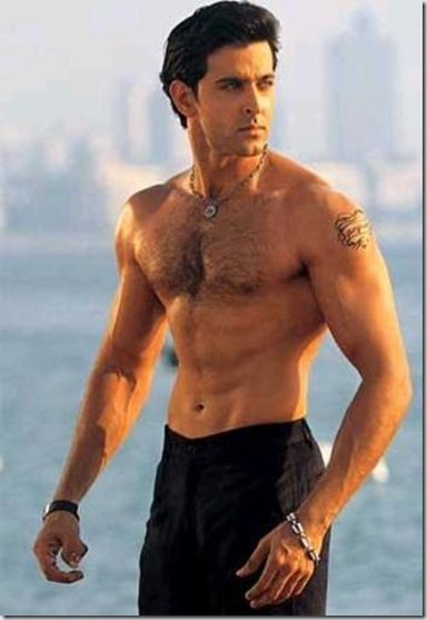 Hrithik_Roshan_shirtless_01