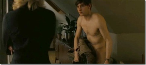 Jamie_Bell_shirtless_02