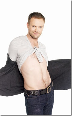 Joel_McHale_shirtless_04
