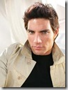 Victor_Gonzalez_headshot_01