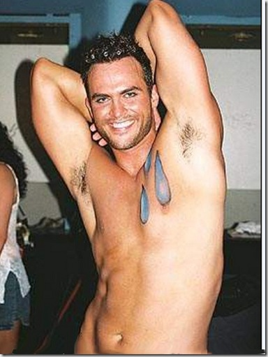 Cheyenne_Jackson_shirtless_04