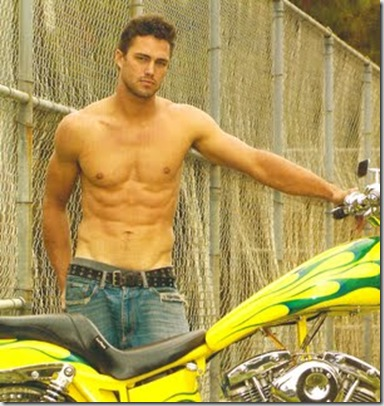 Taylor_Kinney_shirtless_05