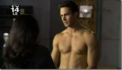 Taylor_Kinney_shirtless_07