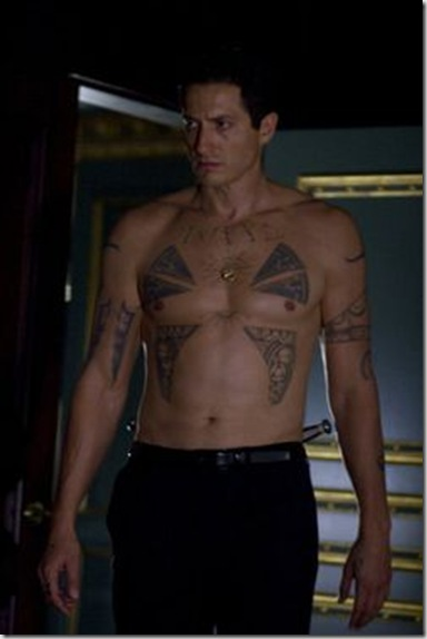 Sasha_Roiz_shirtless_04