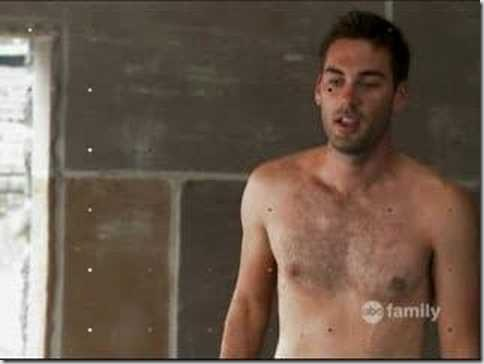 Drew_Fuller_shirtless_02