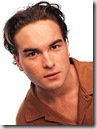 Johnny_Galecki_headshot_01
