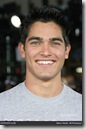 Tyler_Hoechlin_headshot_01
