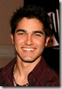Tyler_Hoechlin_headshot_02