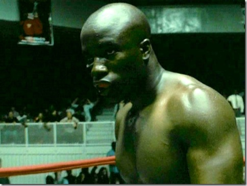 Mike_Colter_shirtless_03