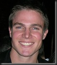 Stephen_Amell_headshot_01