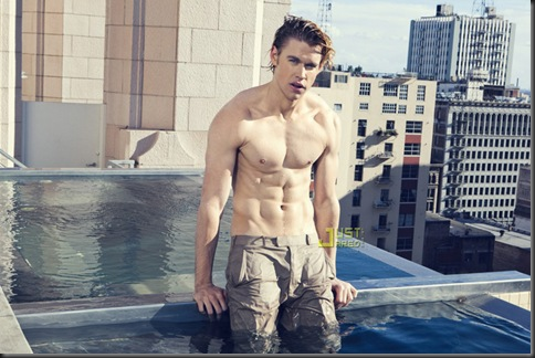 Chord_Overstreet_shirtless_16