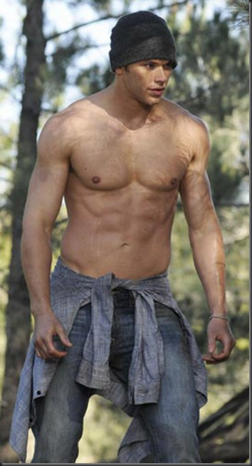 Kellan_Lutz_shirtless_02