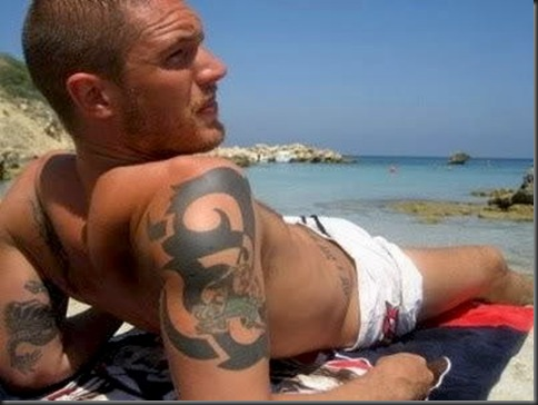 Tom_Hardy_shirtless_14
