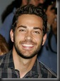 Zachary_Levi_headshot_01