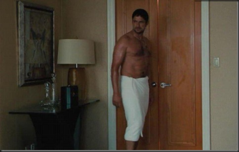Gerard_Butler_shirtless_18