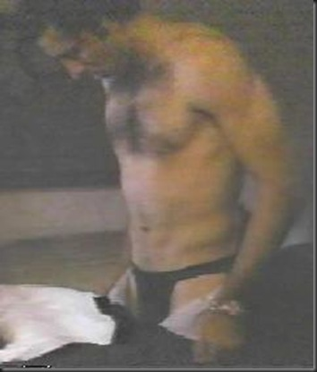 Nicolas_Cage_shirtless_08