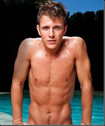 Charlie_Bewley_shirtless_01