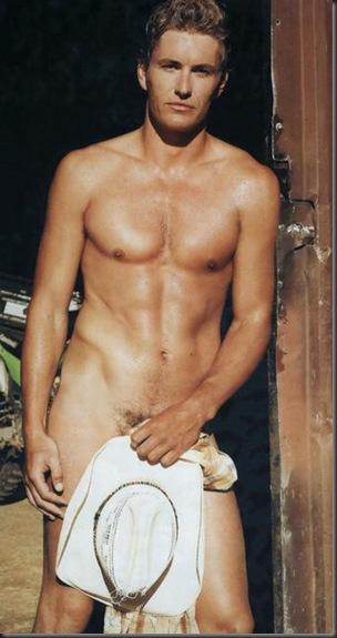 Brett_Tucker_shirtless_10