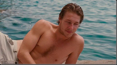 Luke_Bracey_shirtless_05