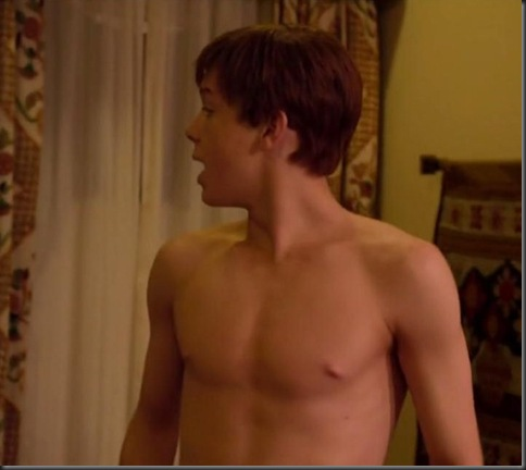 Cameron_Monaghan_shirtless_05