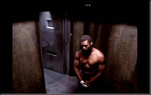 Eamonn_Walker_shirtless_01