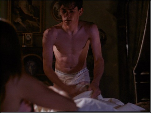 Henry_Thomas_shirtless_22
