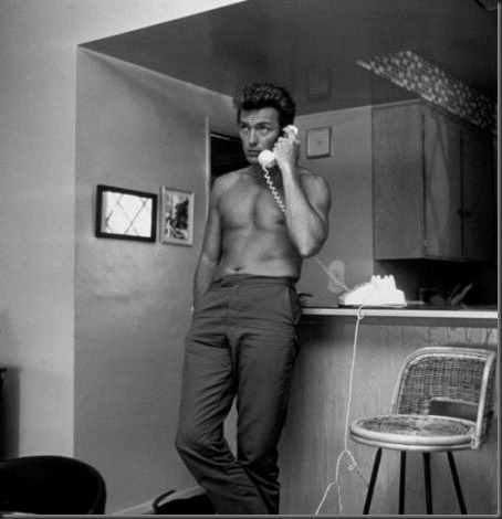 Clint_Eastwood_shirtless_08