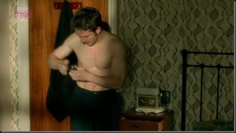 Damien_Molony_shirtless_05