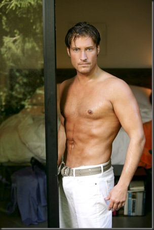 Sean_Kanan_shirtless_04